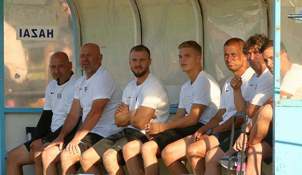 """""""A felnőtt futball világába szeretném vezetni a fiataljainkat"""" - interjú Teodoruval"""
