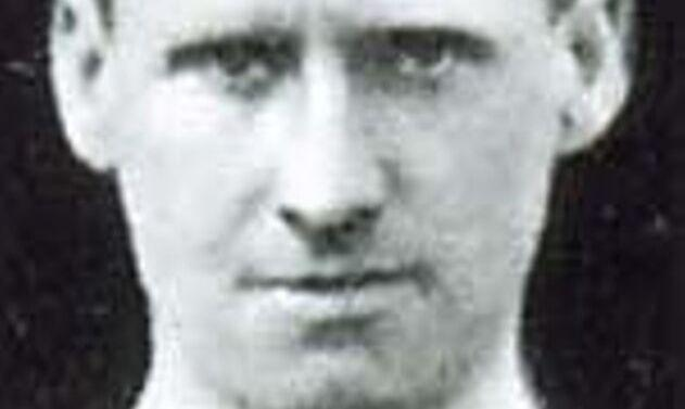 Ezen a napon hunyt el Herbert Larry Burgess, aki játékosa és edzője is volt csapatunknak