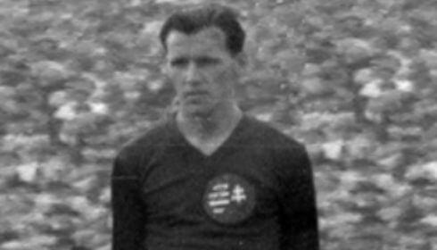 Ezen a napon született Börzsei János, a kiváló labdarúgó és sportvezető