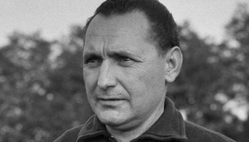 Ezen a napon született Heinrich Müller, a kiváló osztrák-magyar futballista és edző