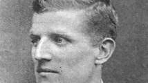 Ezen a napon született John Tait Robertson, aki csapatunkkal Magyar Kupát és bajnoki ezüstöket nyert