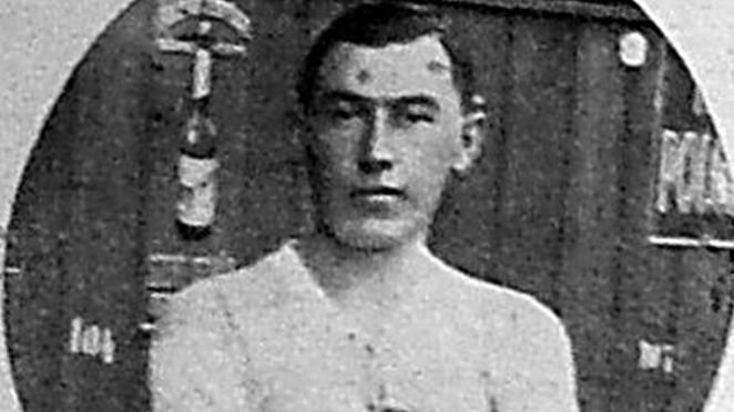 Ezen a napon született Csüdör Ferenc, aki korának egyik legjobb védőjátékosa volt