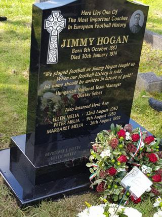 Jimmy Hogan méltó síremlékének felállításához klubunk is hozzájárult