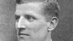 Ezen a napon hunyt el John Tait Robertson, aki csapatunkkal Magyar Kupát, és bajnoki ezüstöket nyert nyert