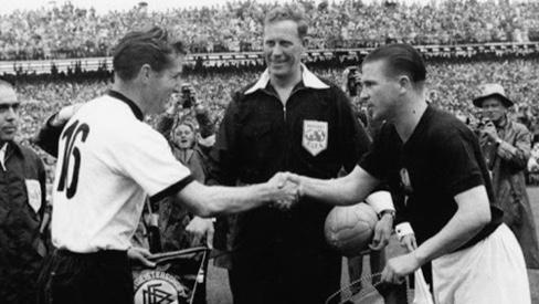 Ezen a napon lett ezüstérmes a magyar válogatott az 1954-es svájci világbajnokságon
