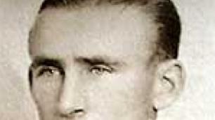 Ezen napon hunyt el Dudás János, a hallgatag, nagyszerű balfedezet