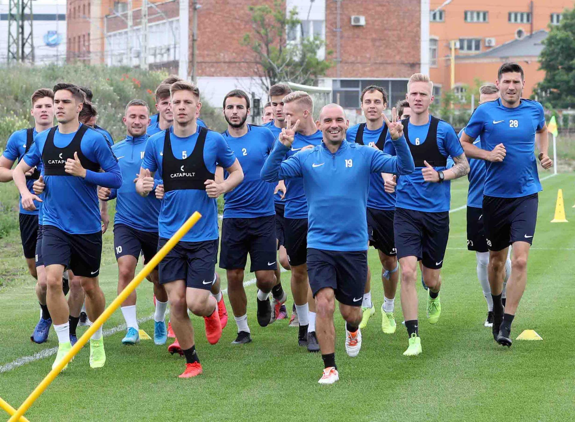Az MTK csapatkapitánya Európa leghűségesebb játékosai közé kerül - lapszemle