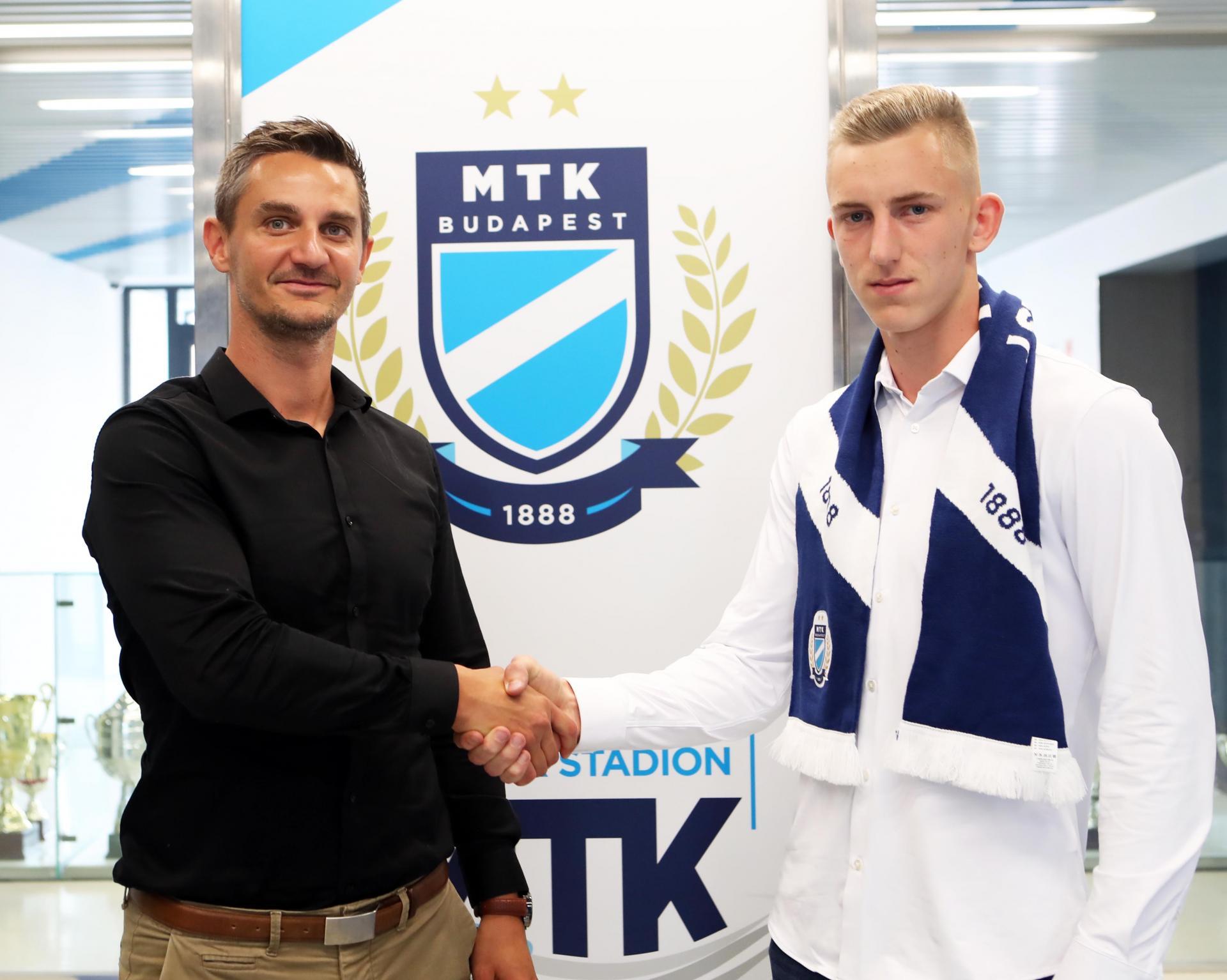 A korosztályos válogatott kapusa aláírta első profi szerződését