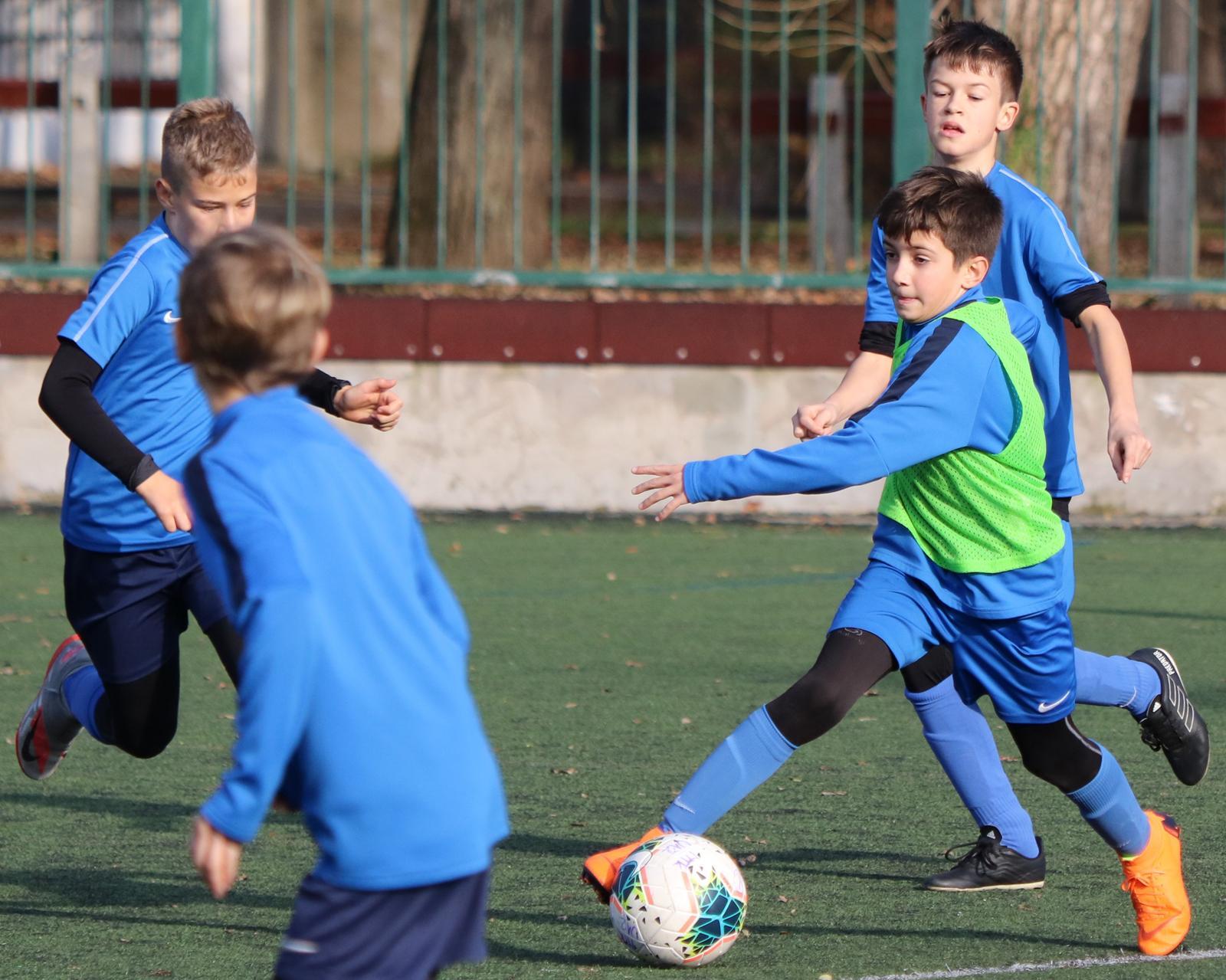Edzéslesen: Az U12 és U11 közös edzésén jártunk (GALÉRIA)