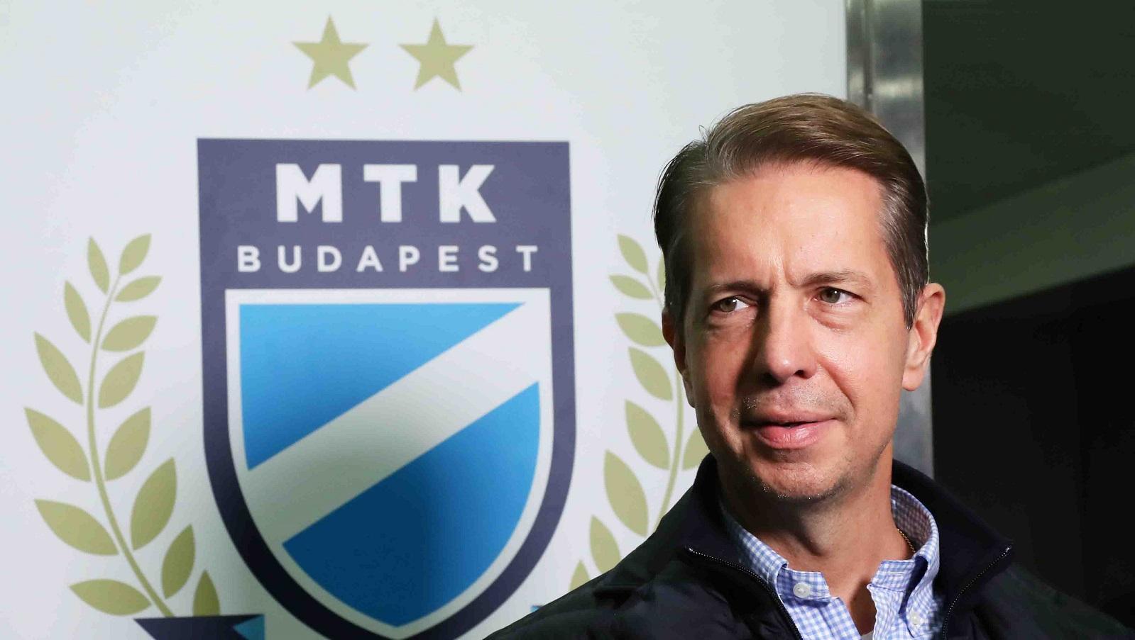 Ezért viseltek kék karszalagot a Fehérvár elleni meccsen játékosaink (videó)