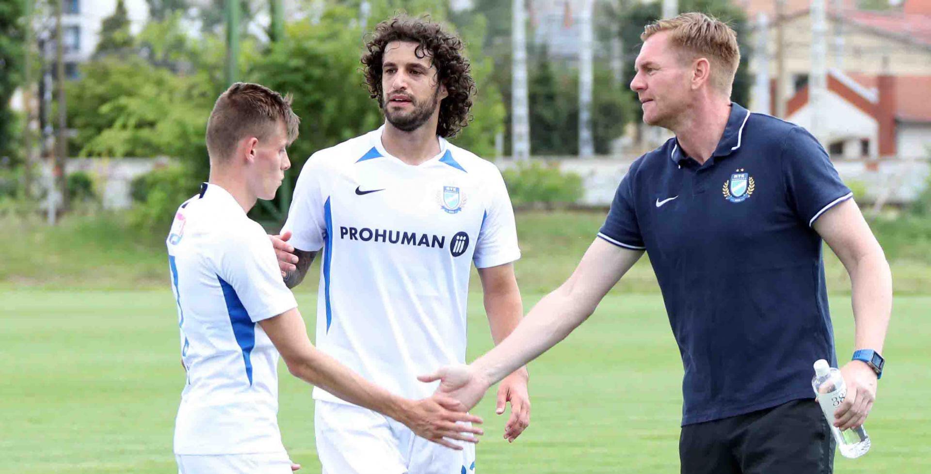 """Schön: """"Állandó és meghatározó tagja kívánok lenni a kezdőcsapatnak"""" - lapszemle"""