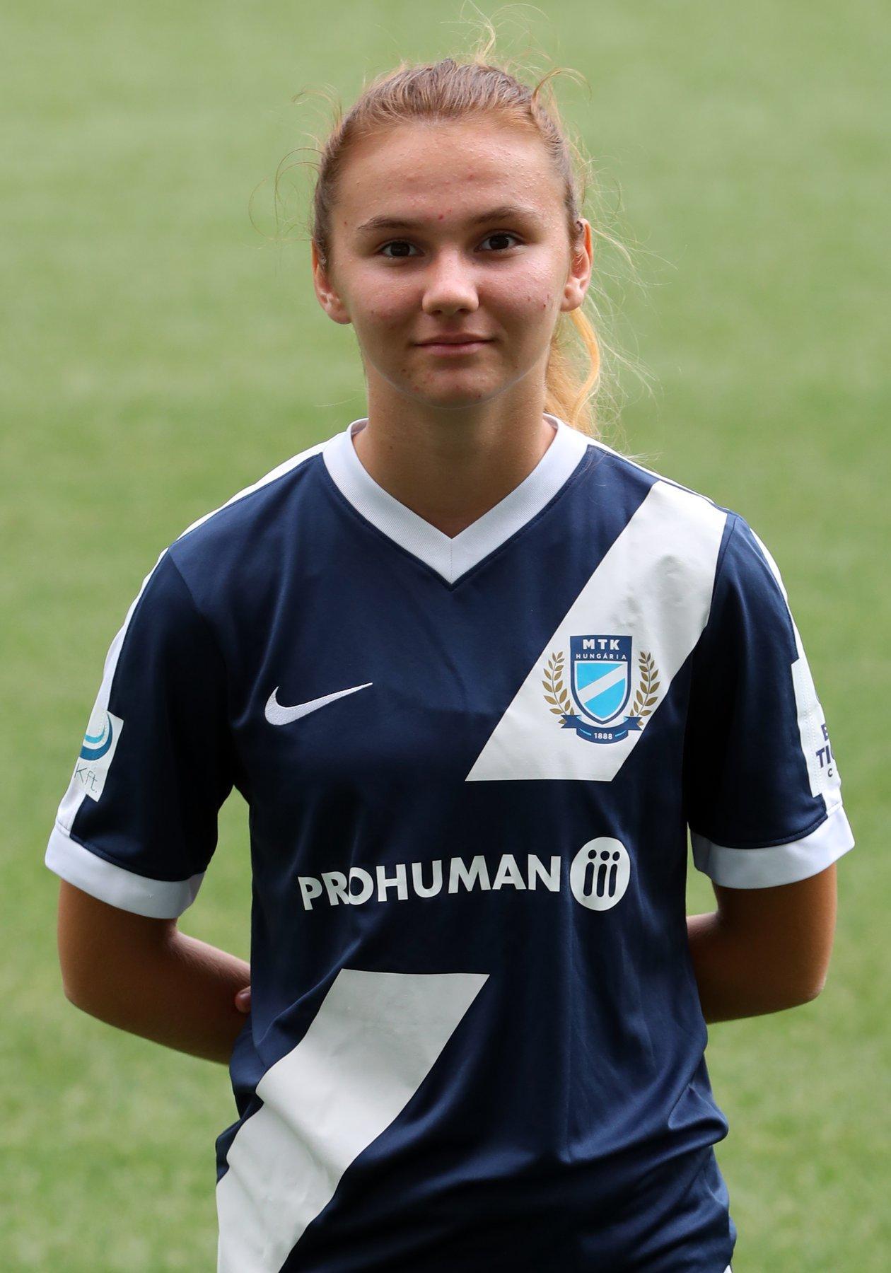 Mayer Zsófia